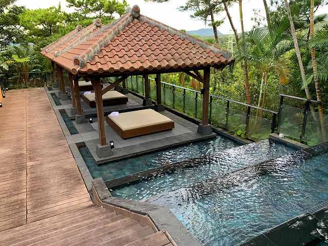 リッツ沖縄ースパ棟屋外プール2