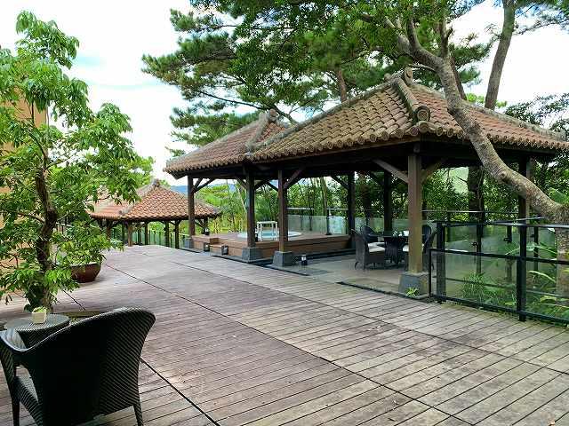 リッツ沖縄ースパ棟屋外プール