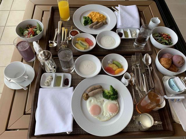 クラブアットブセナー朝食