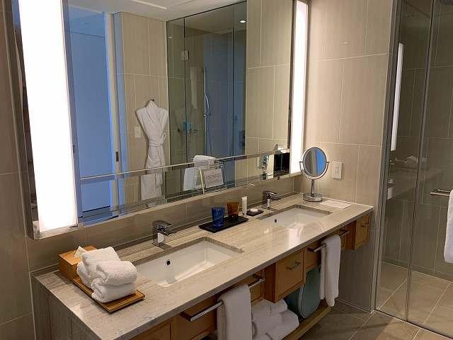 ハレクラニ沖縄スタンダードルーム洗面台