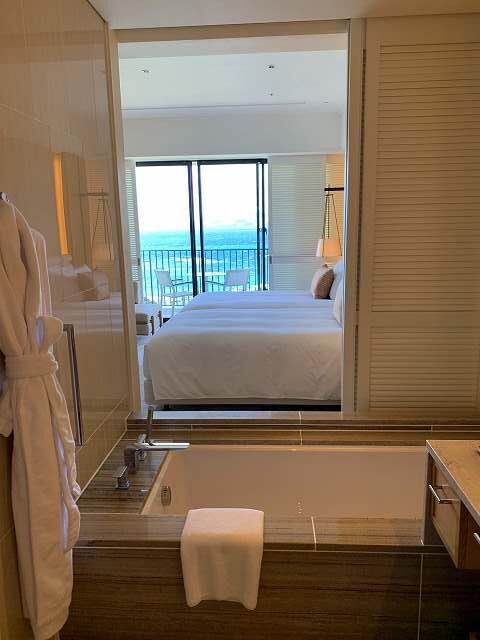 ハレクラニ沖縄バスルーム2