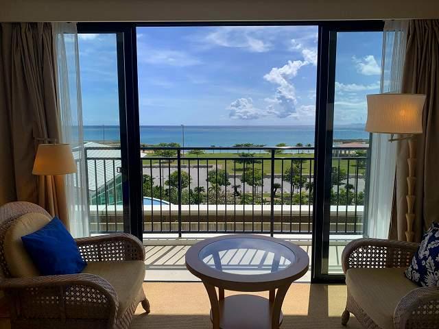 サザンビーチホテル窓オープン