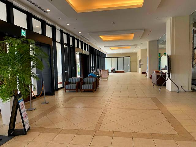 サザンビーチホテルのロビー