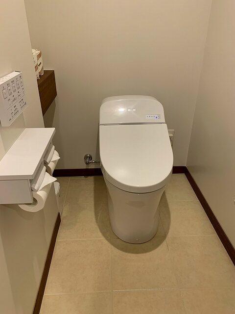 アラマハイナートイレ