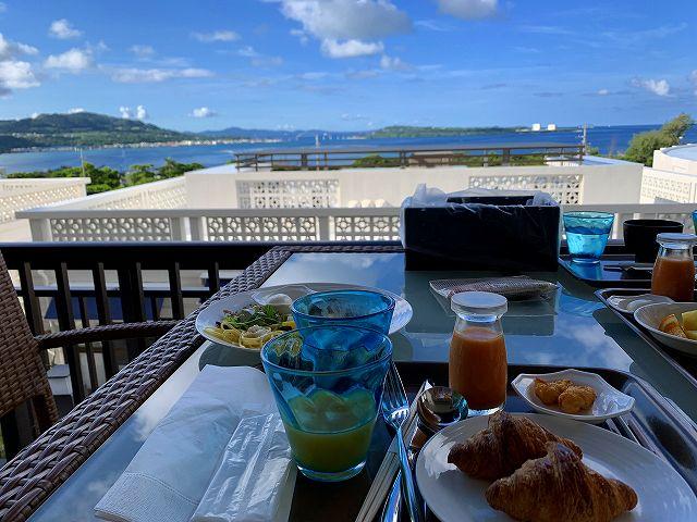 アラマハイナー朝食テラス